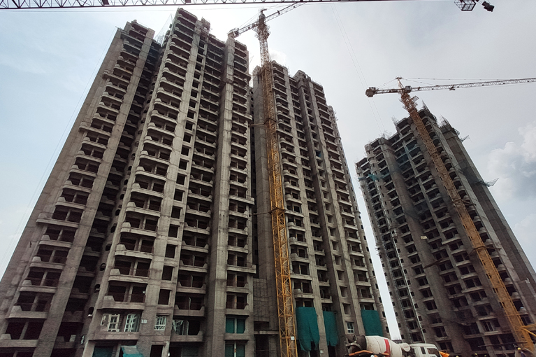 ready to move greater noida west